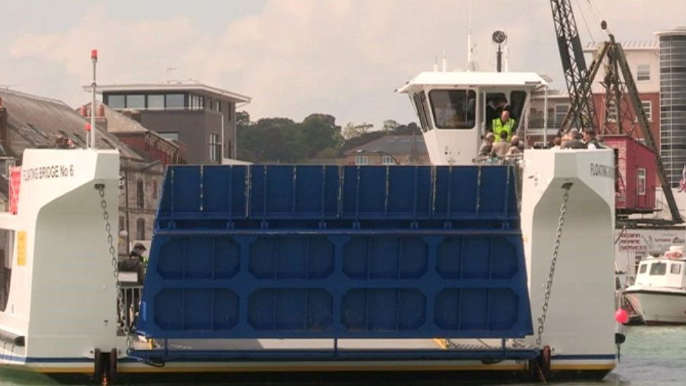 New chain ferry