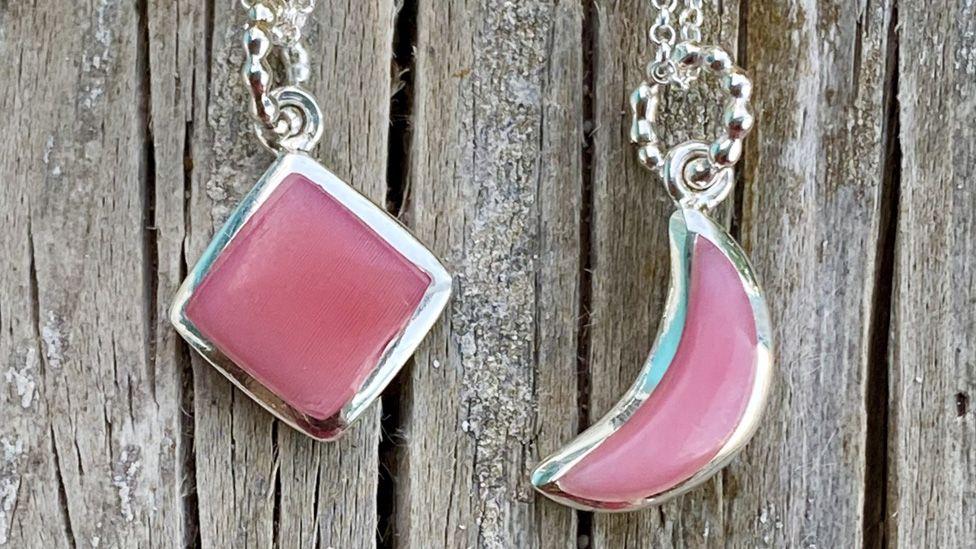 Conch jewellery