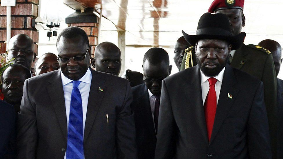 South Sudan's then Vice-President Riek Machar (L) and President Salva Kiir on the 2nd anniversary of independence (file photo - July 2013)