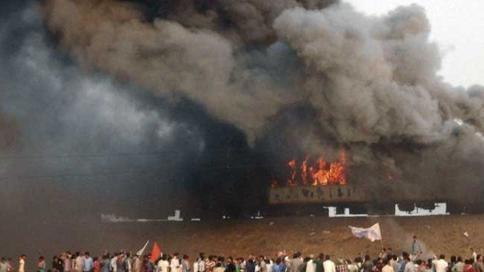 The Ratnachal Express was set on fire by Kapu protesters in Andhra Pradesh
