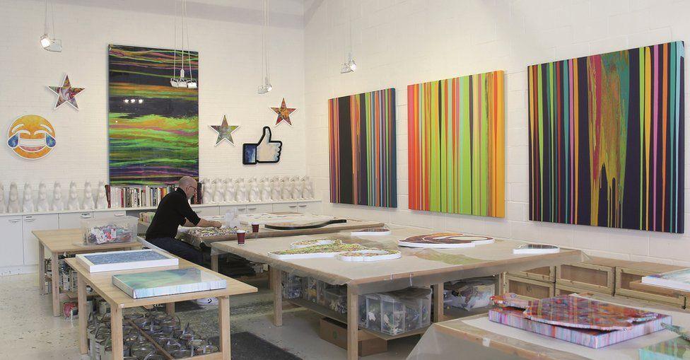 Alex Echo working in his studio
