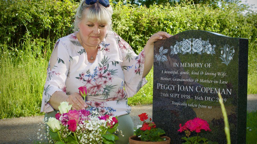 Maxine Fulcher at her mother's grave