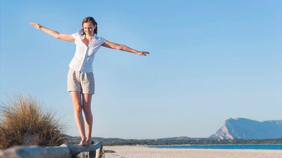 Paso a paso: 12 ejercicios sencillos para mejorar tu equilibrio