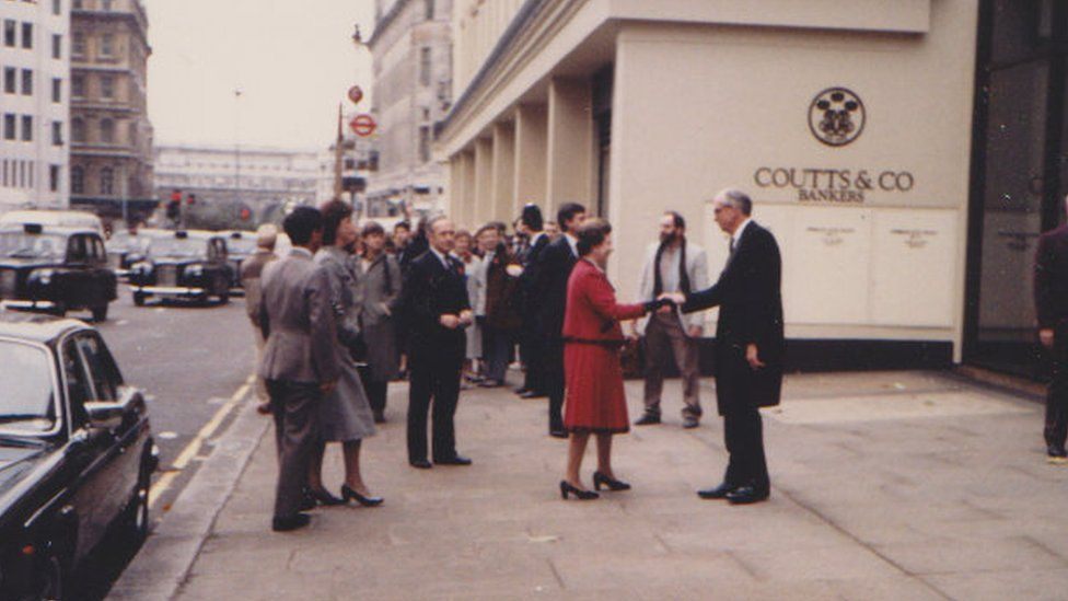 The Queen outside Coutts and Co Bank