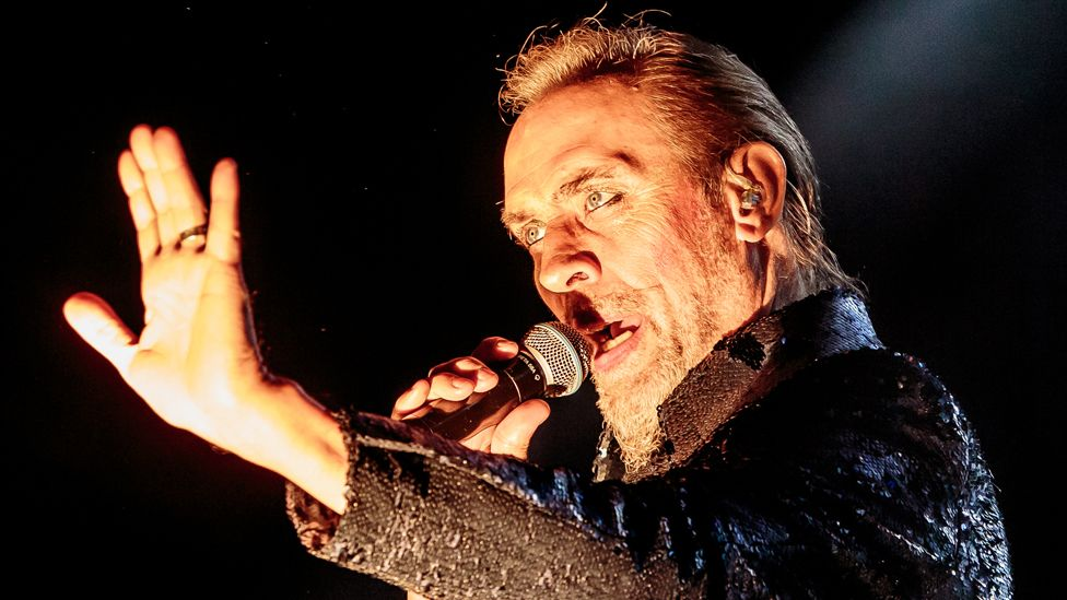 Former Bauhaus singer Peter Murphy suffers heart attack