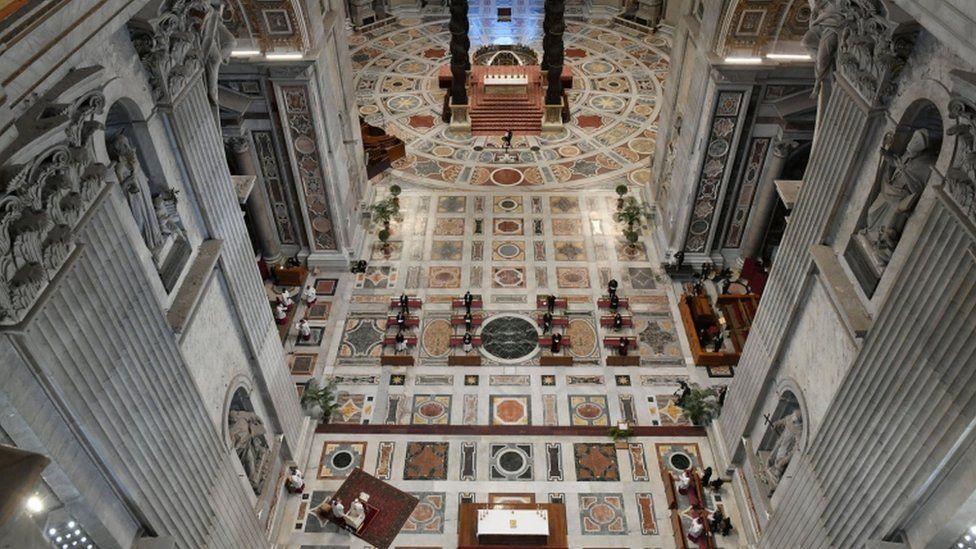 Basílica de San Pedro casi vacía