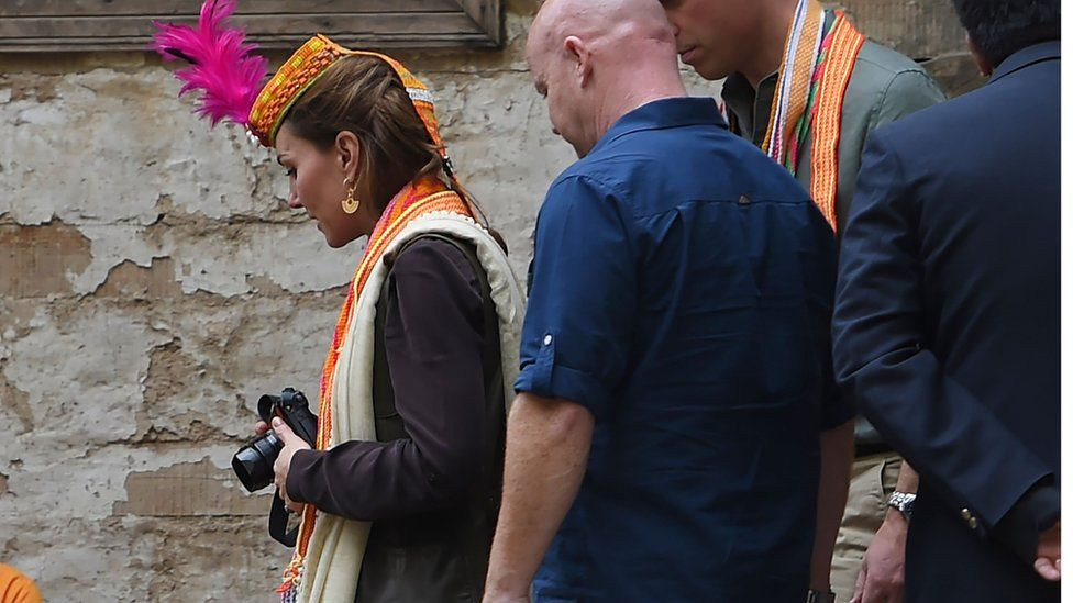 Duchess of Cambridge with camera in Pakistan