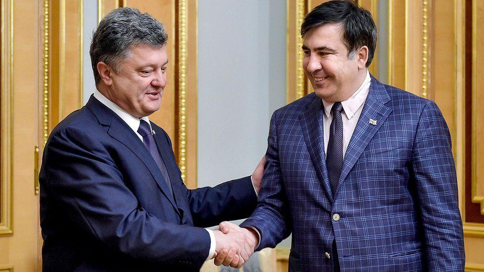 President Poroshenko (L) with Mr Saakashvili, 1 Jun 2015