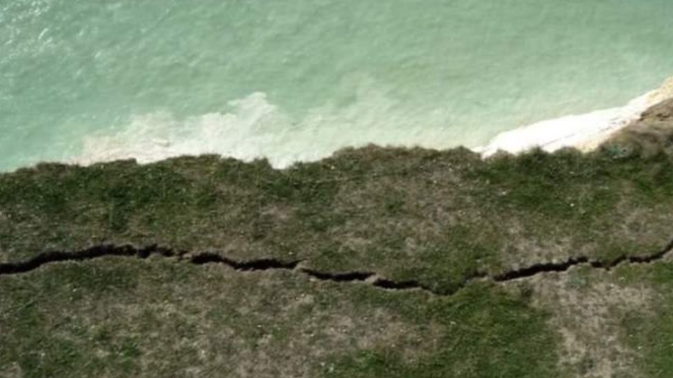 The large crack at Shooters Bottom, Beachy Head