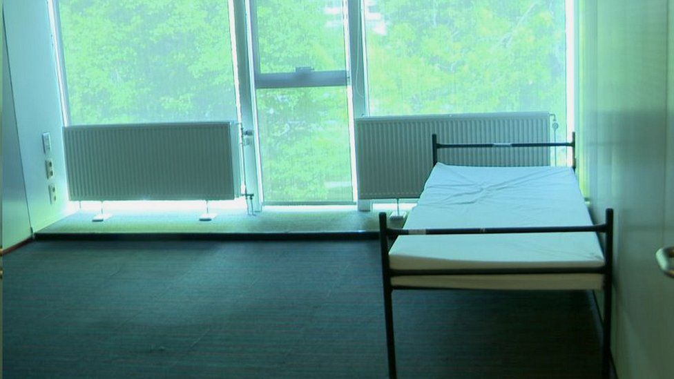 Office converted into bedroom in Helmut Kohl building