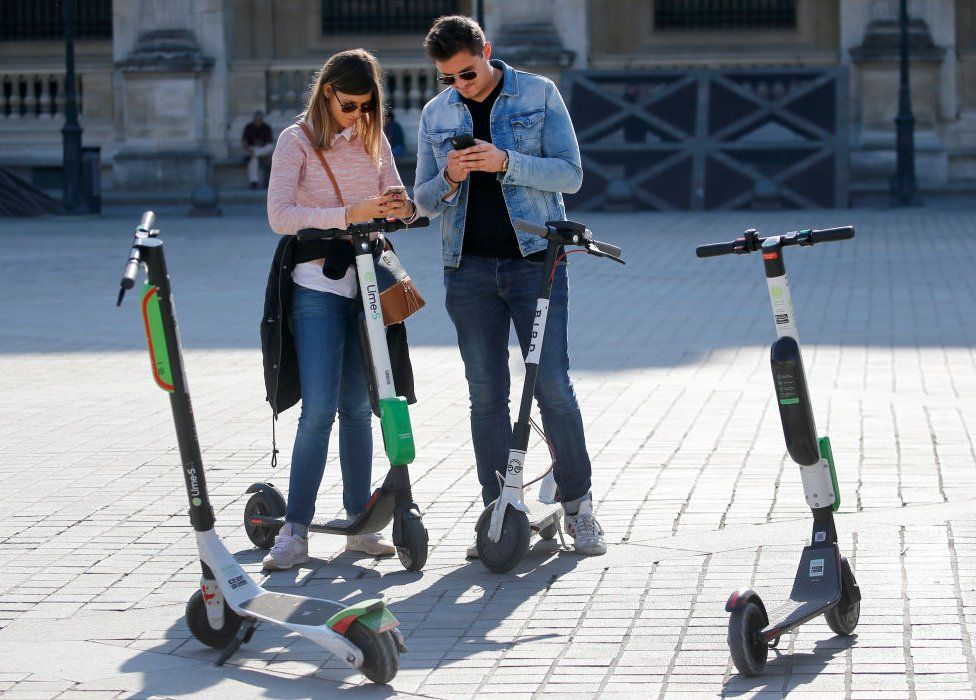 Lime and Bird scooters in Paris