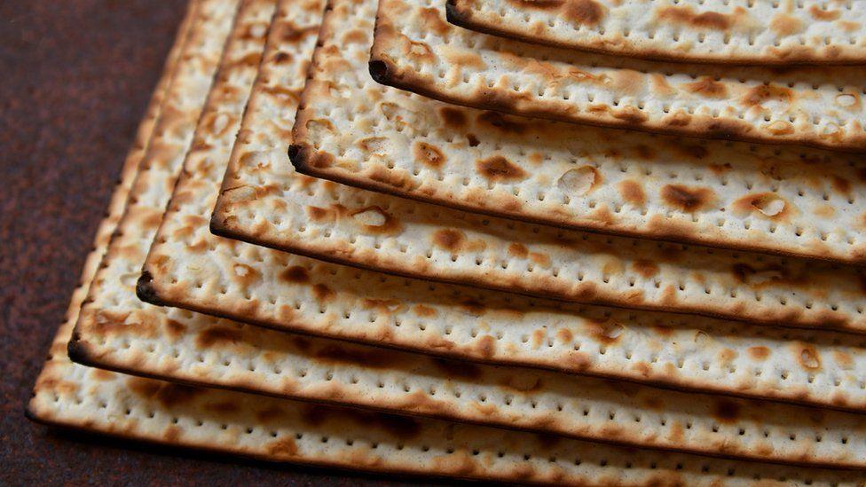 Passover 2019: What is the story of Passover? - CBBC Newsround