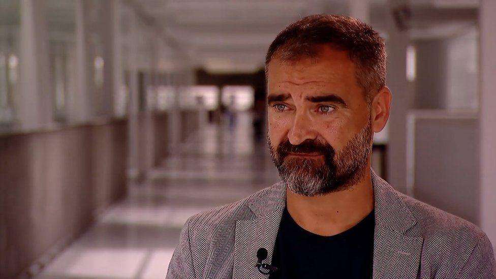 Dr. Luis López Molina