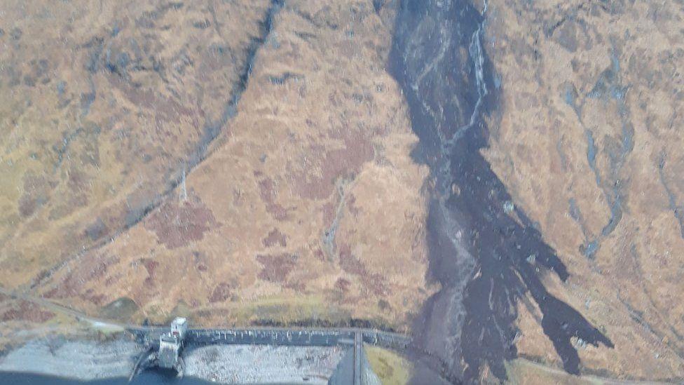 Maoim-slèbhe aig Ceann Loch Shùirn
