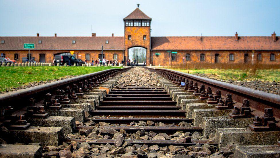 What was the Holocaust? - CBBC Newsround