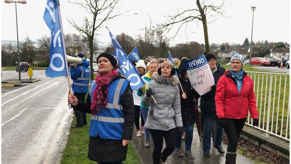 Nurses protest outside Letterkenny Hospital