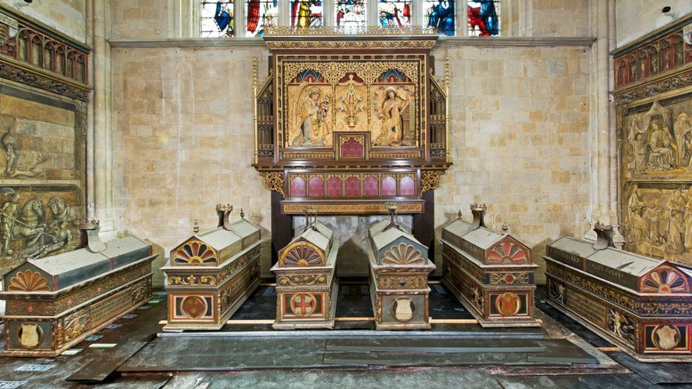 'Queen's bones' found in Winchester Cathedral royal chests