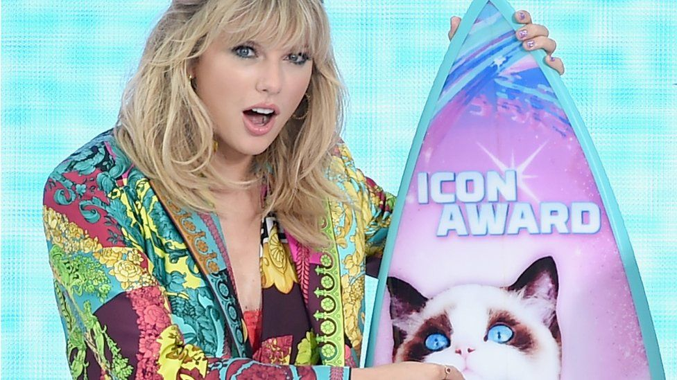 Taylor Swift wants to re-record her old hits after ownership row