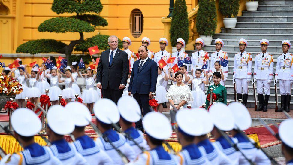 Scott Morrison with Vietnamese leader Nguyen Xuan Phuc in August 2019