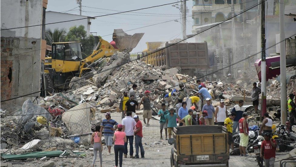 """Pedernales, one of Ecuador""""s worst-hit towns, on April 18, 2016 two days after a 7.8-magnitude quake hit the country"""