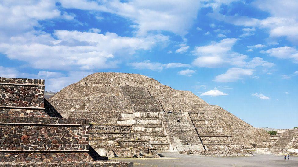 Teotihuacán: confirman la existencia de una cámara y un túnel bajo la Pirámide de la Luna en México