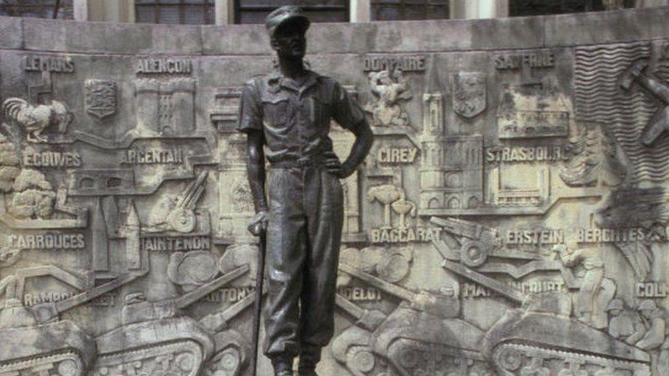 Monument of Gen Leclerc's statue