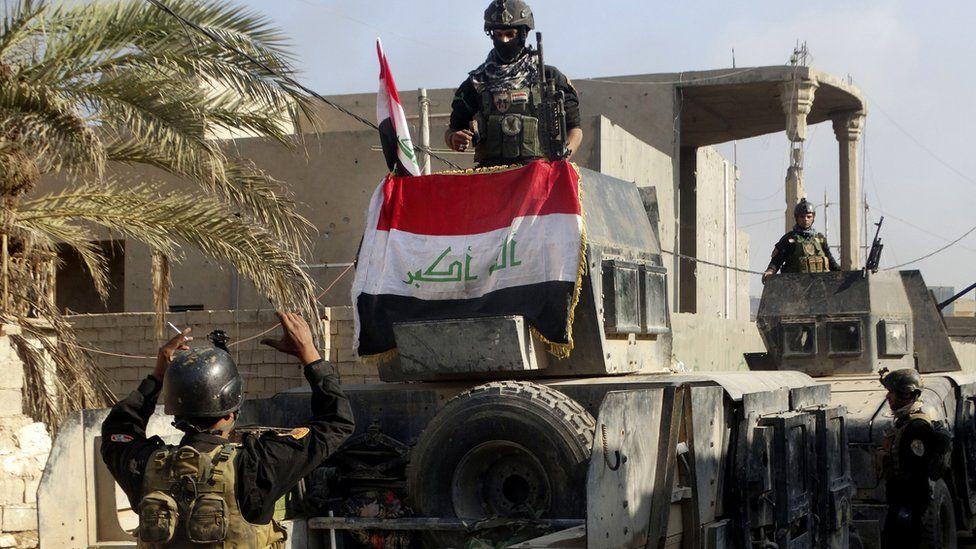Iraqi forces display national flag in Ramadi. 28 Dec 2015
