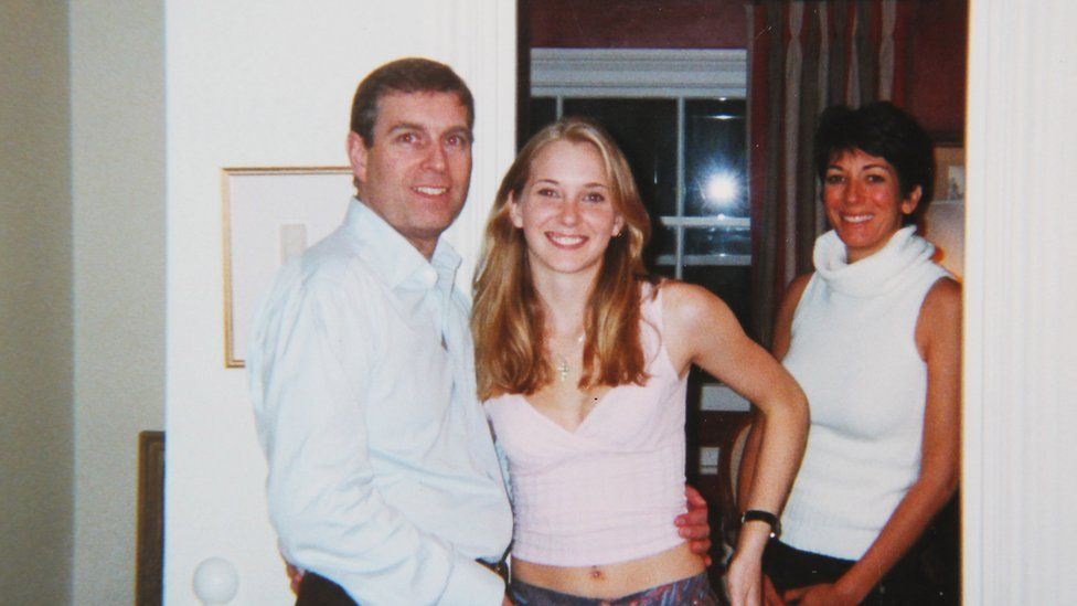 Virginia Giuffre describes how she asked Jeffrey Epstein to take this picture of her with Andrew.