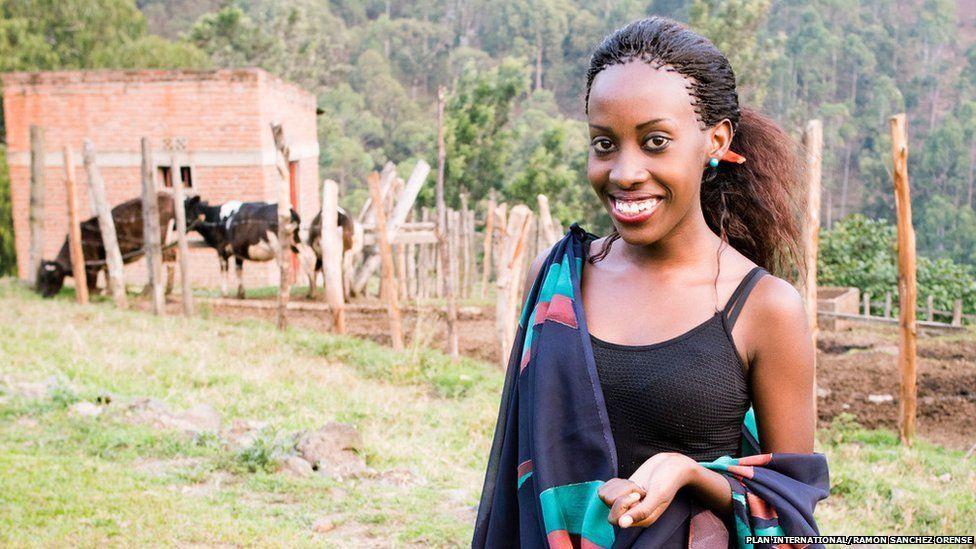 Amina, 19, from Rwanda