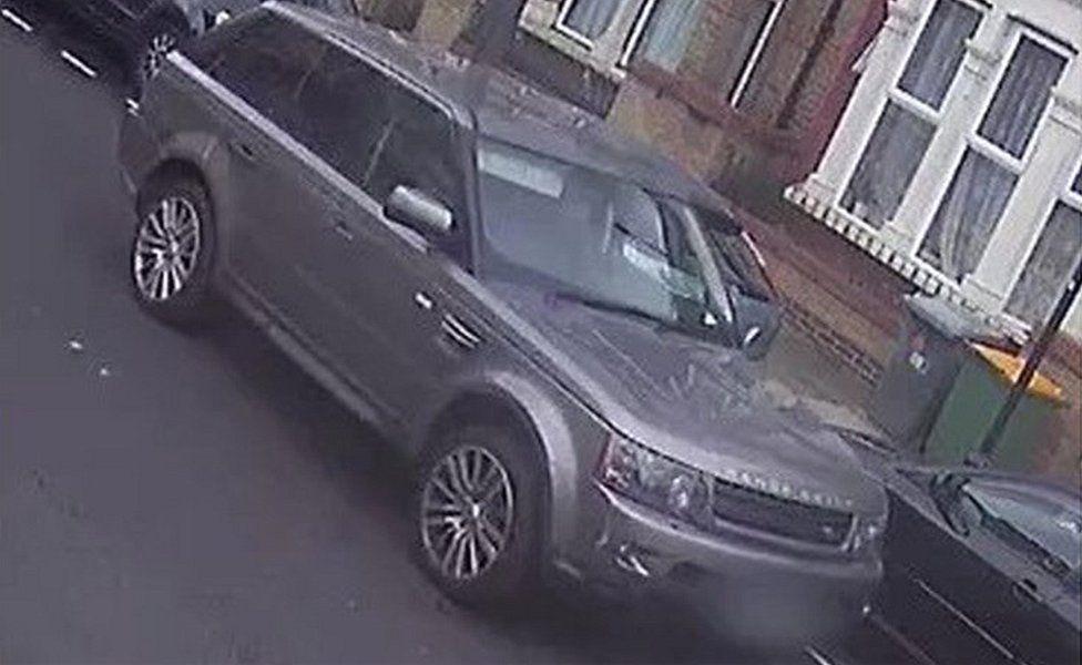 CCTV of Range Rover