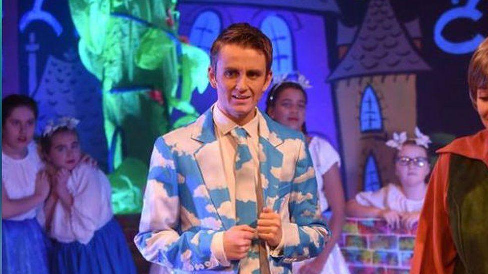 Replacement beanstalk during pantomime