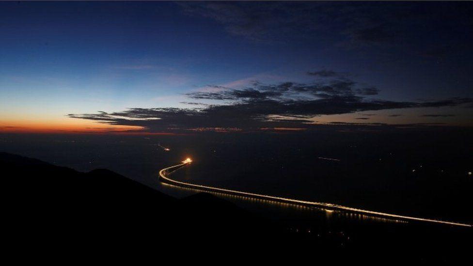 Night view of the Hong Kong-Macau-Zhuhai bridge