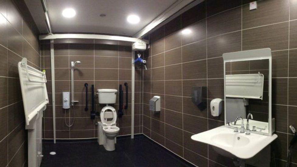 Glasgow Central Station toilet