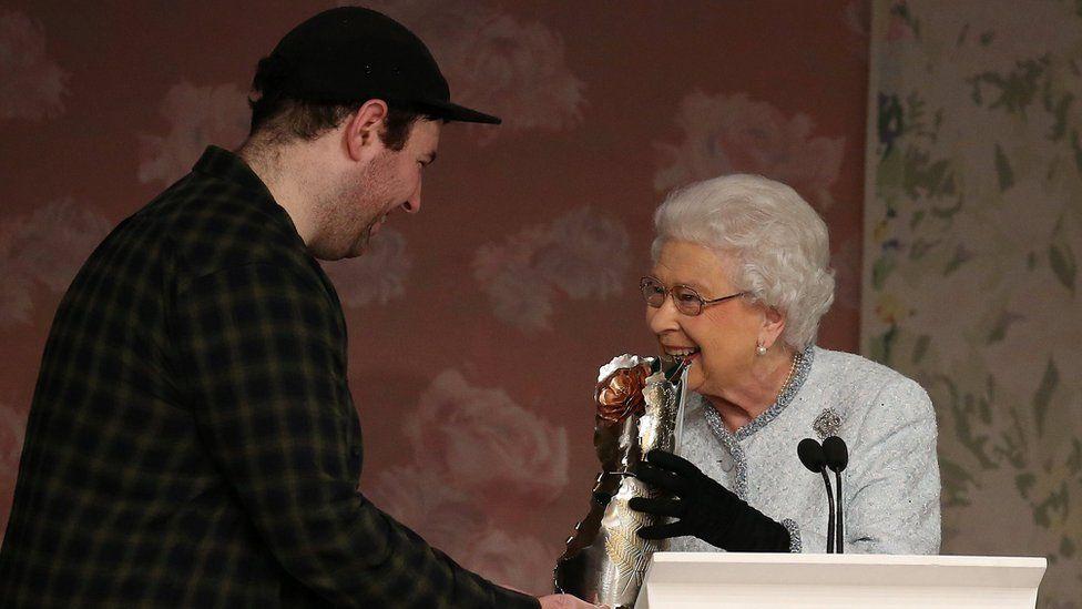 The Queen and Richard Quinn