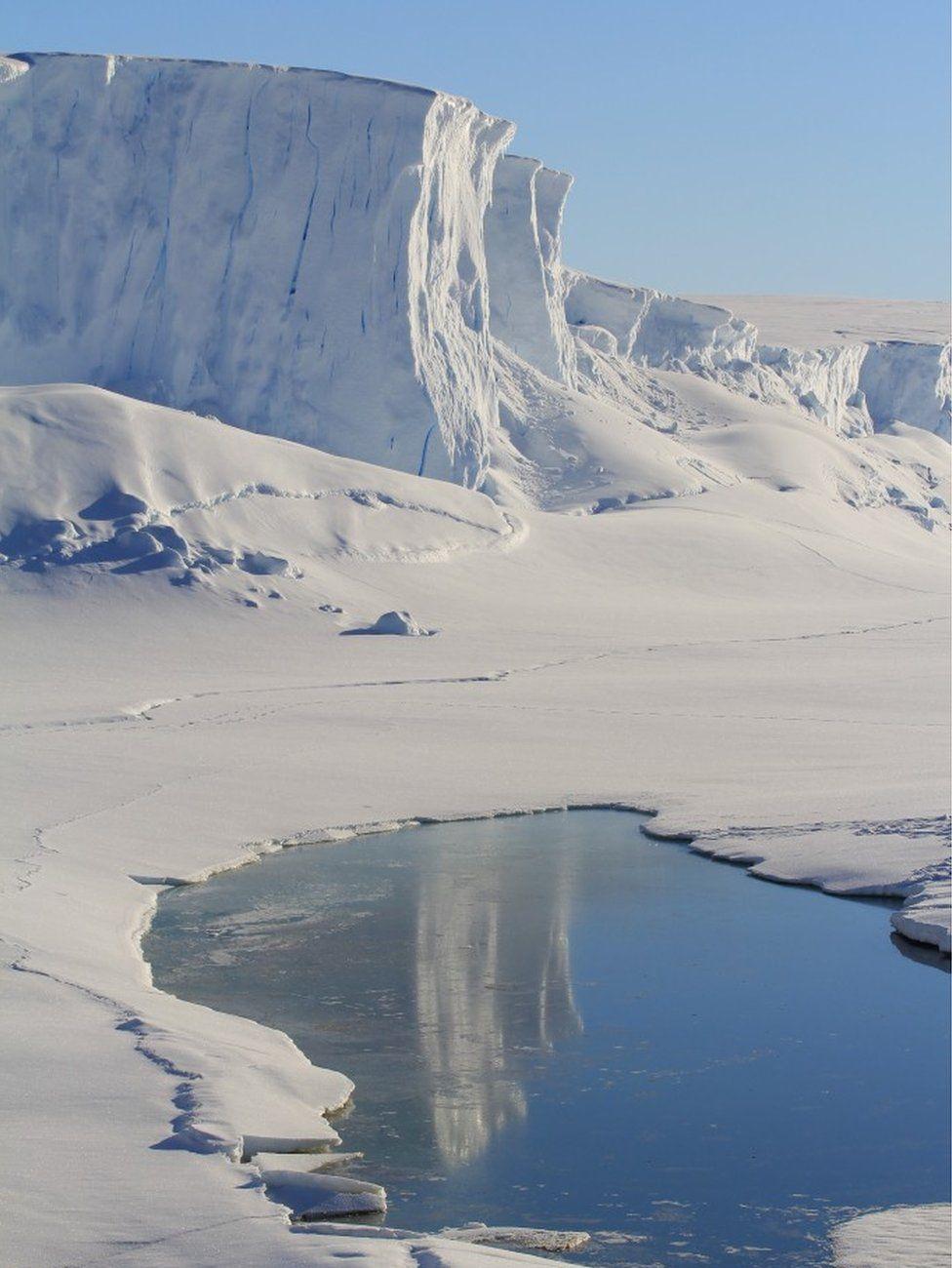 Dumont d'Urville Station, Coastal Antarctica