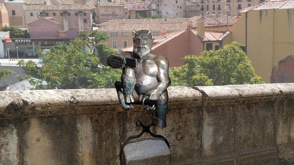 Mock-up of Satan sculpture in Segovia