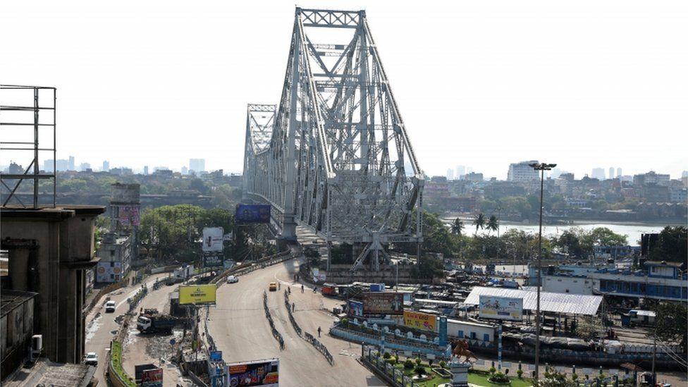 Empty roads in Kolkata