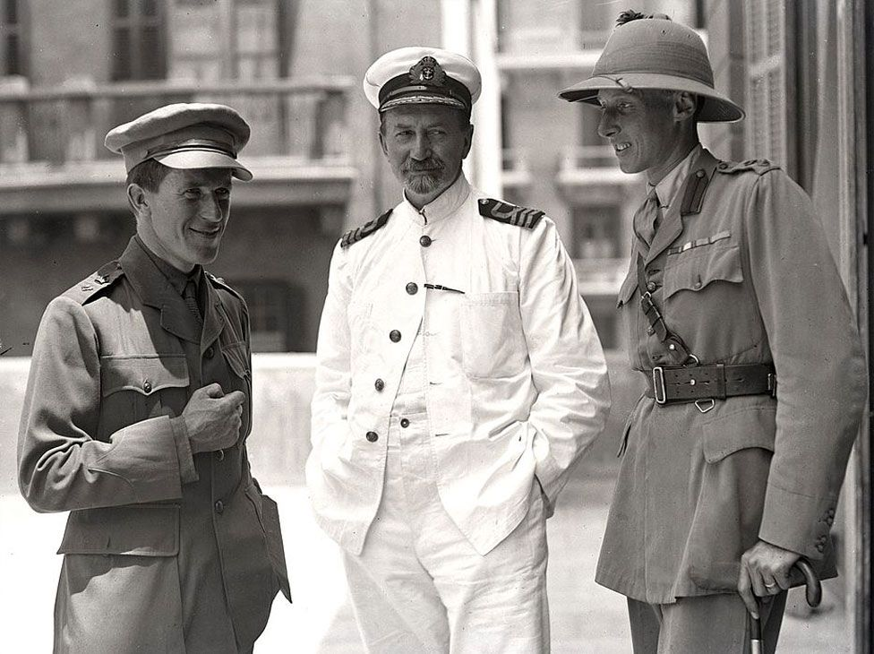Col Alan Dawnay (right) in Cairo in 1918 with T E Lawrence (left) and David George Hogarth