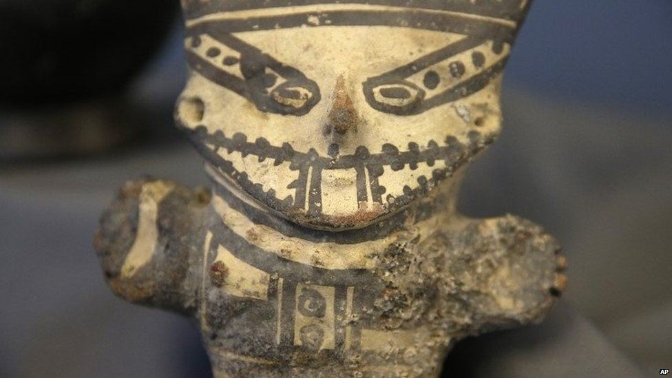 Peruvian artefact returned by the US 21 Oct 2014