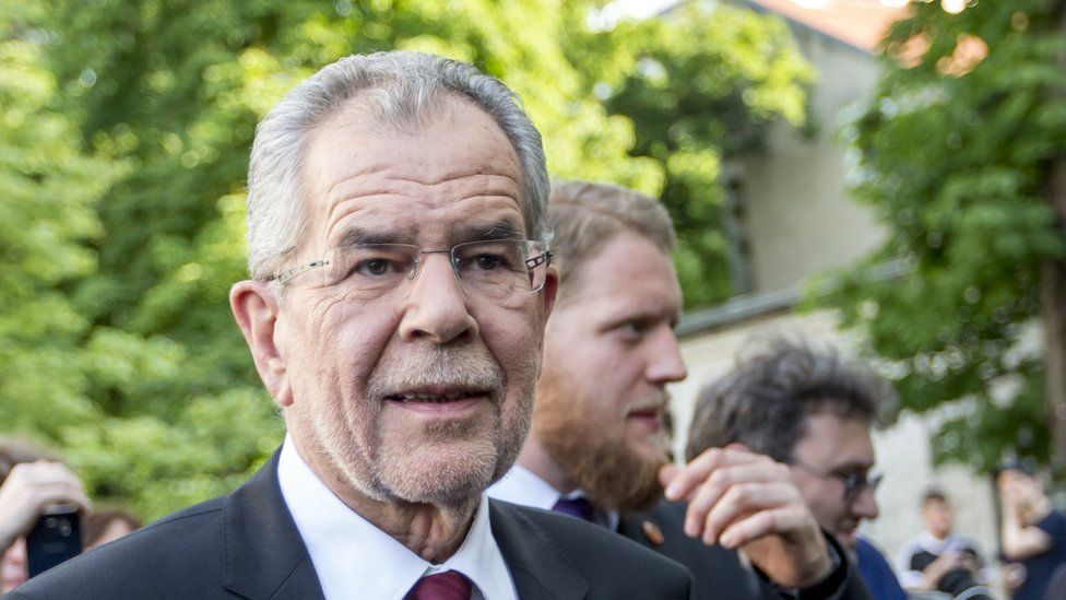 Alexander van der Bellen, independent presidential candidate backed the Austrian Green Party, makes a statement to the media after winning the presidential runoff on 23 May 2016 in Vienna.