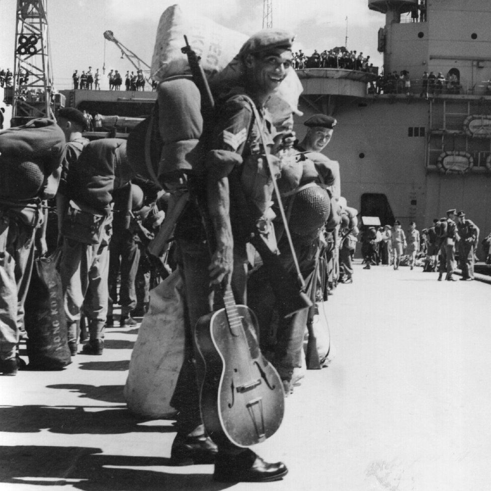 British soldiers in Hong Kong bound for Korea in August 1950