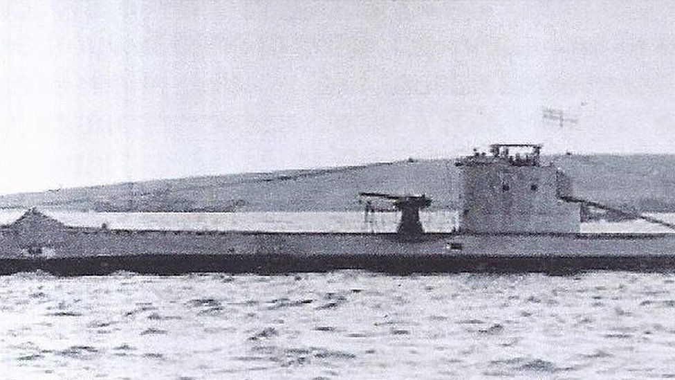 HMS Urge at sea