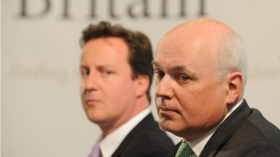 David Cameron (l) and Iain Duncan Smith