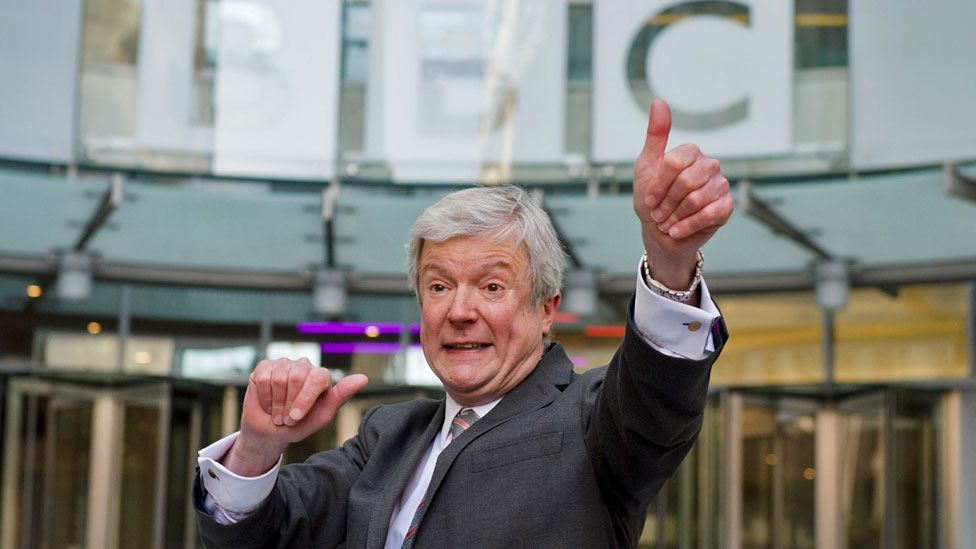Diana interview: Lord Hall resigns from National Gallery