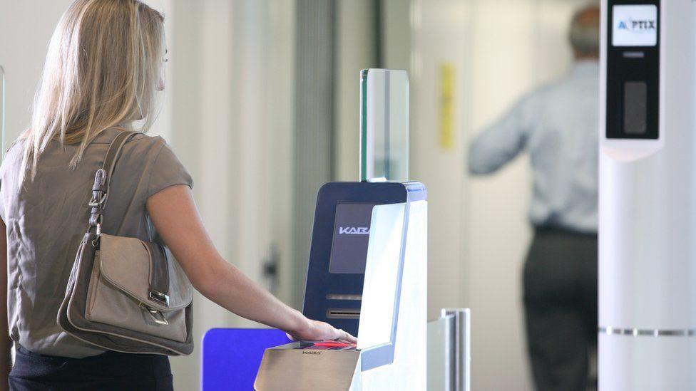 Model using AOPtix's screening tech at San Hose airport