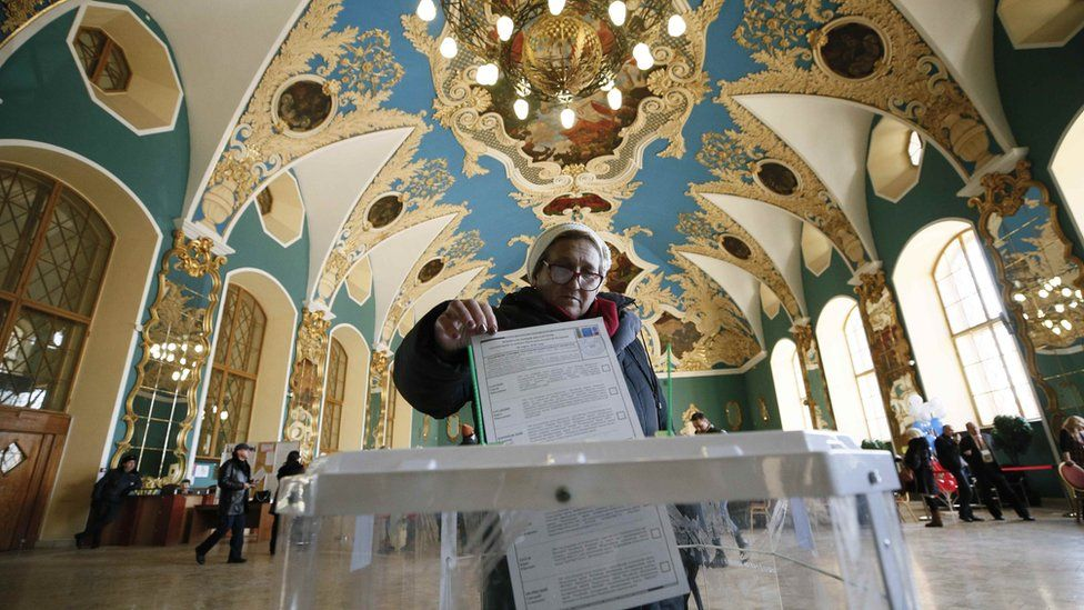 Voting in Kazansky railway terminal in Moscow, Russia, on 18 March 2018