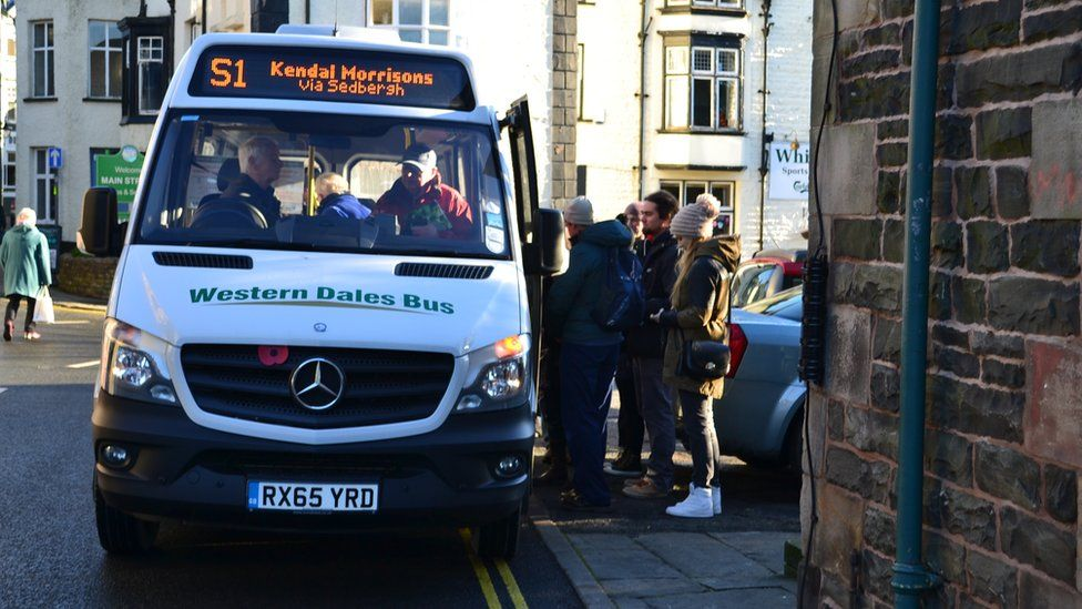 A Western Dales Bus picking up passengers