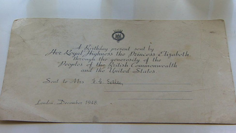 Royal card from hamper given to Mr and Mrs Shelley by Princess Elizabeth