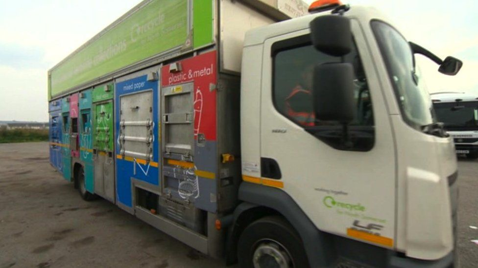 Driver shortage: Refuse collectors poached on the job thumbnail