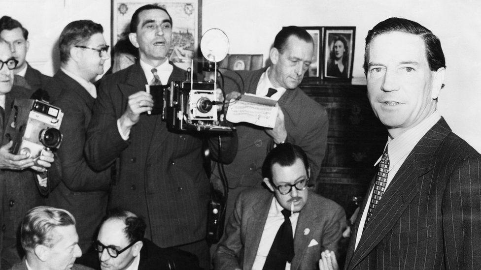 Cómo fue el paso por la guerra civil de España del británico Kim Philby, uno de los espías dobles más famosos del siglo XX